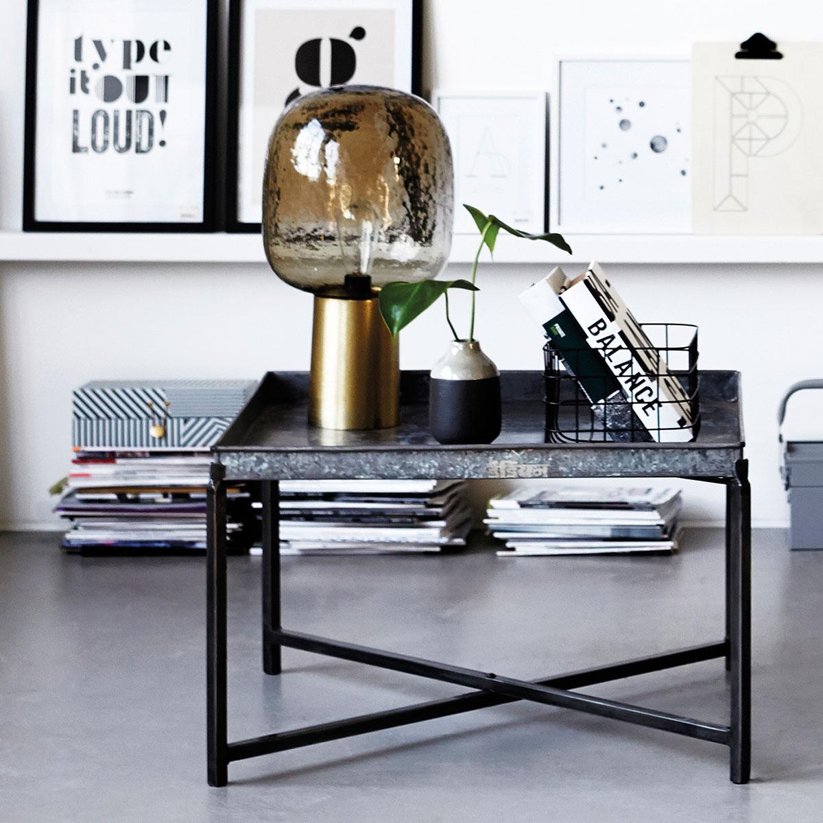 Wysokiej jakości lampa stołowa Note House Doctor.