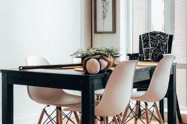 Jak wybrać stół do jadalni